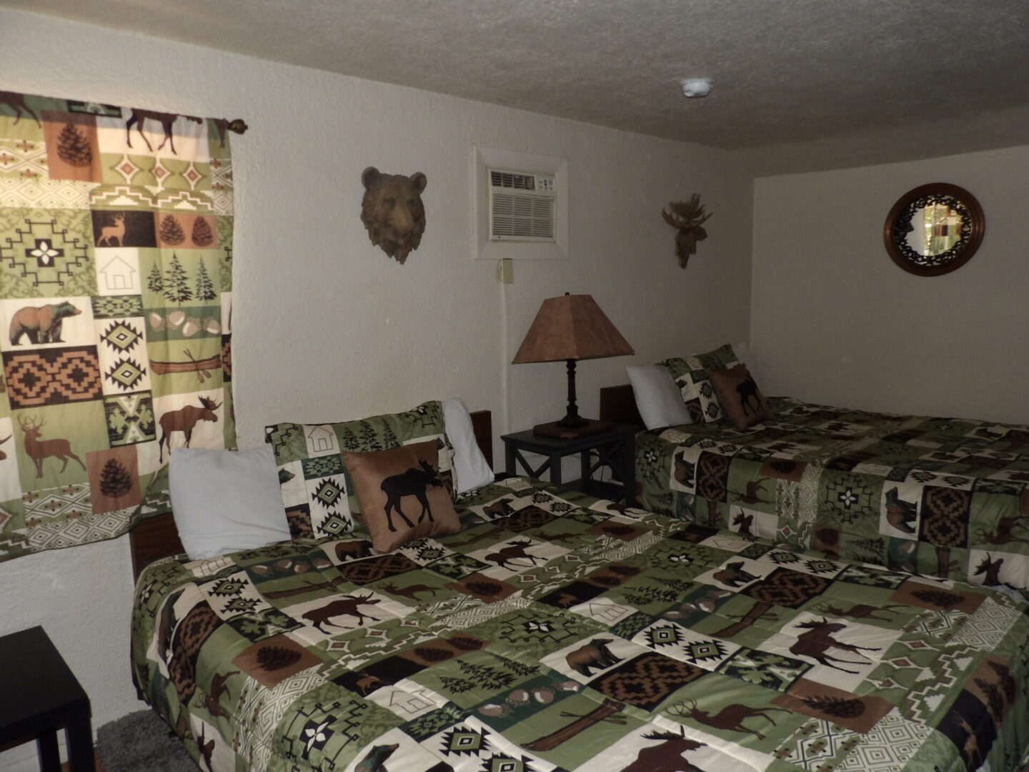 bedroom with moose and bear theme