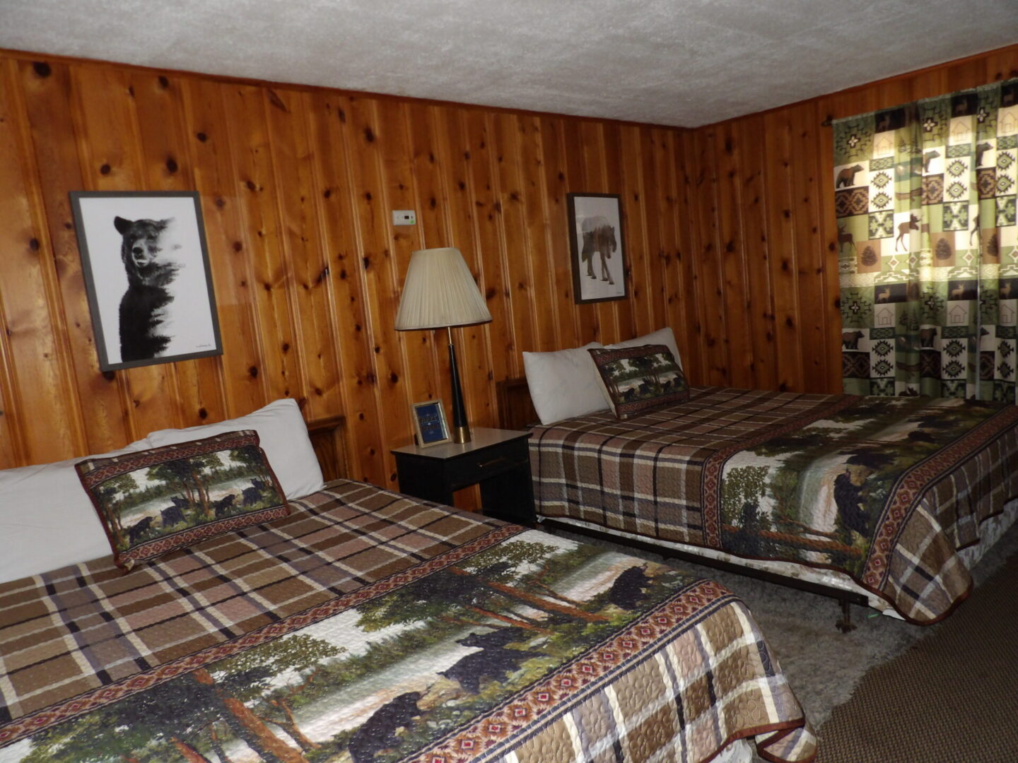bedroom with bear and moose themes